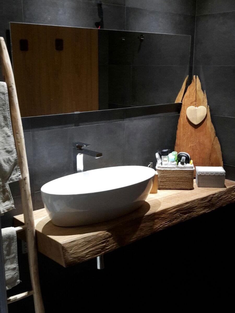 Arredi e serramenti in legno su misura falegnameria for Arredi in legno